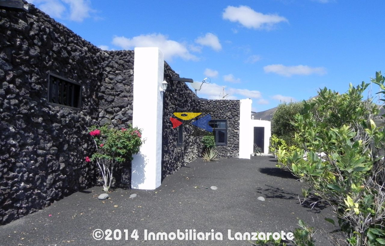 Ref - 201209 - Luxury Finca - La Geria - Lanzarote - for sale